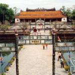 Tuần lễ vàng thu hút du khách đến Huế