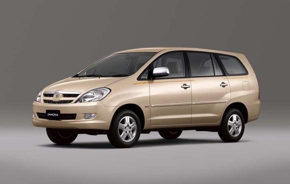 Giá thuê xe Toyota Innova 7 chỗ tại TP. HCM