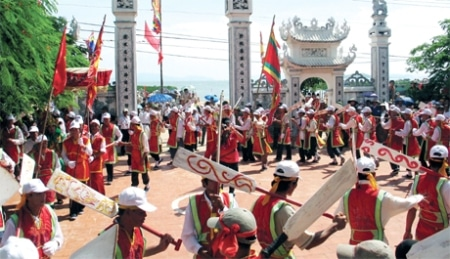 Lễ hội Quan Lạn với nhiều khuyến mãi