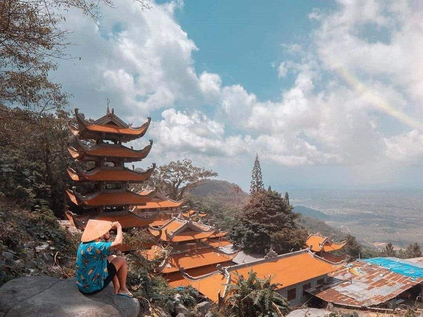 Khu du lịch Núi Tà Cú