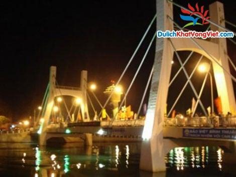 Du lịch: Sài Gòn-Tà Cú-Mũi Né-Hòn Rơm-Bàu Sen Giá Rẻ
