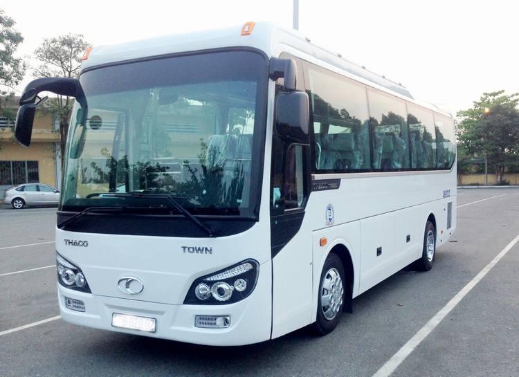 Xe du lịch Huyndai Aero Town