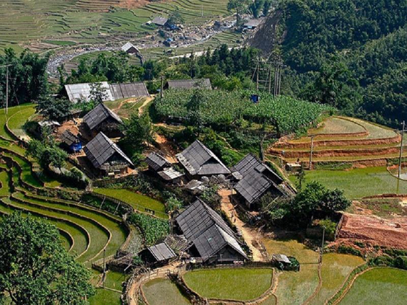 Bản Lao Chải gần thung lũng Hoa Hồng