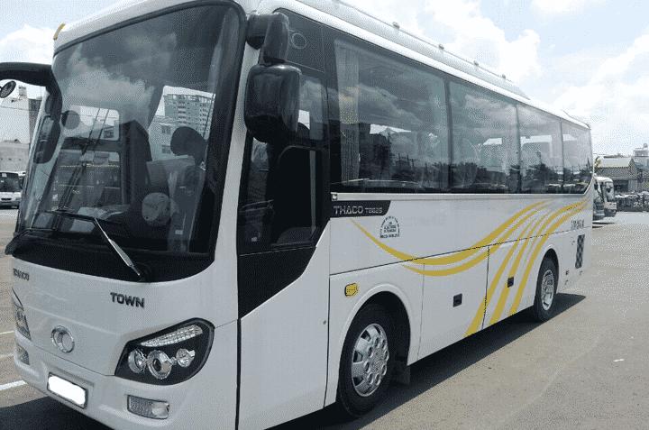 Dong xe 35 chỗ hiện nay đang được nhiều du khách tin tưởng và lựa chọn