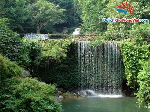Du lịch sinh viên: Hà Nội-Khoang Xanh-Suối Tiên 1 ngày giá rẻ