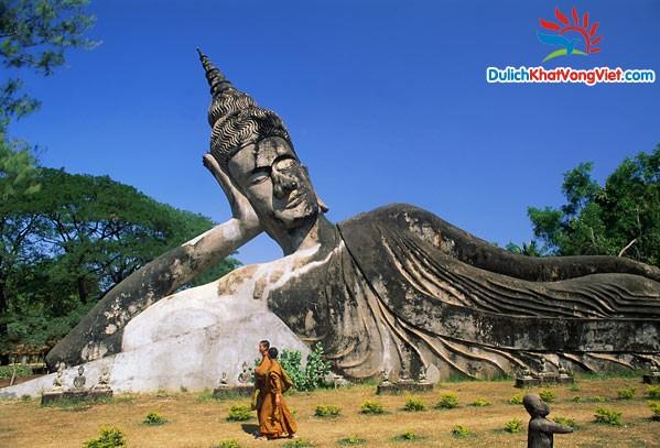 Du lịch: Hà Nội – Huế – Thakhet – Viêng Chăn – Luang PraBang – Xieng Khuang – Vinh