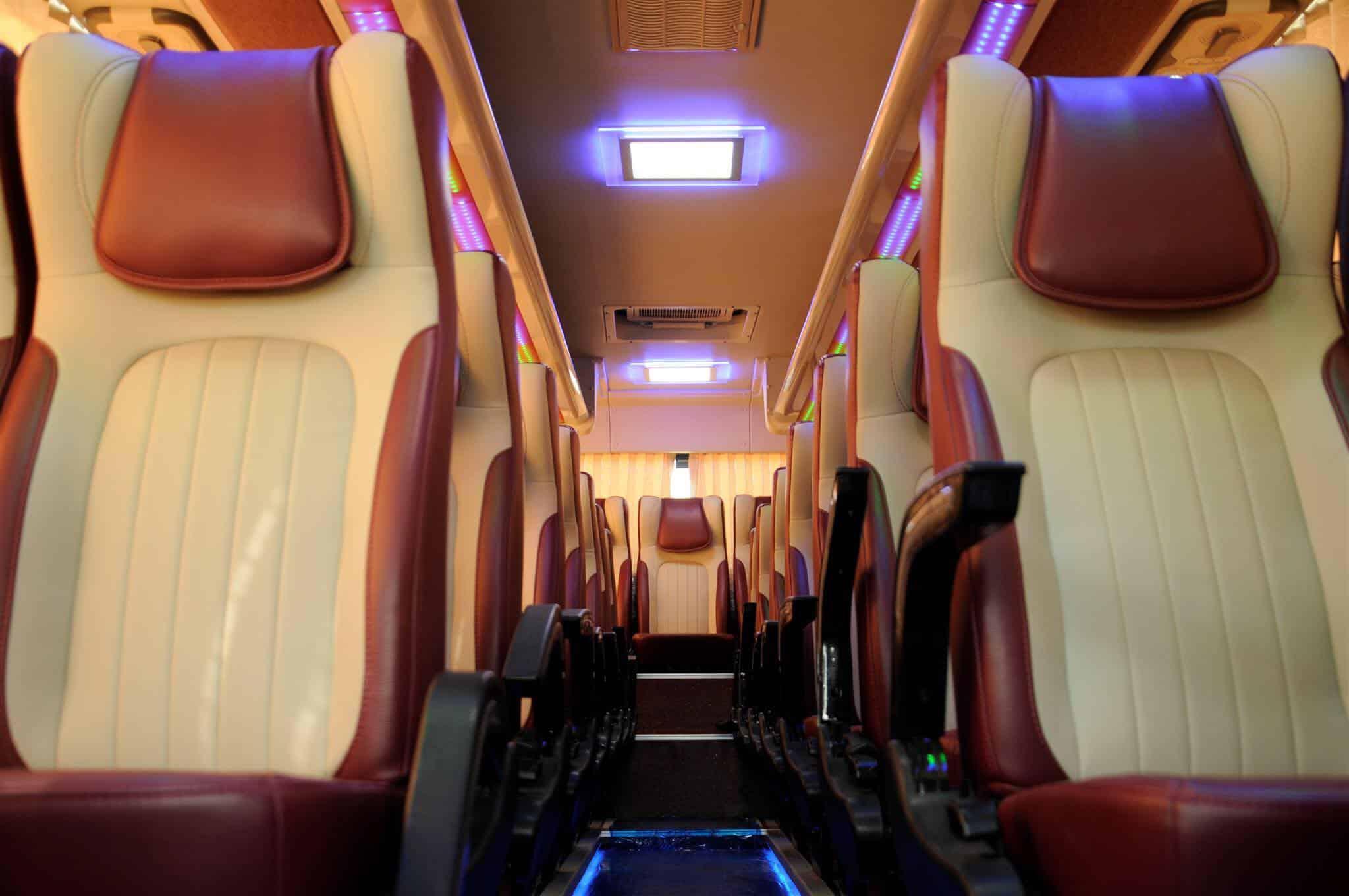 Nội thất xe du lịch Huyndai Aero Town
