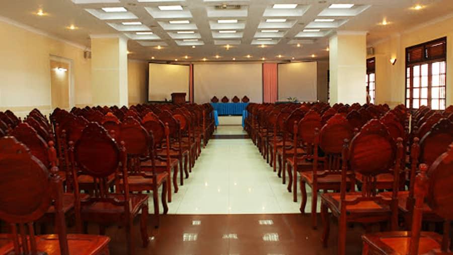 Hội trường tại khách sạn rộng rãi, sức chứa lớn