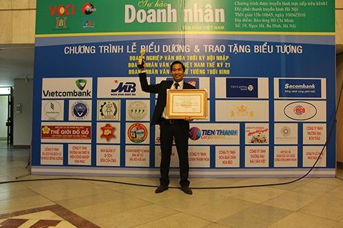 Doanh nhân Nguyễn Bá Toàn được trao tặng danh hiệu Doanh nhân Văn Hóa 2016