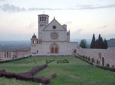 nhà thờ dòng Phan-xi-cô