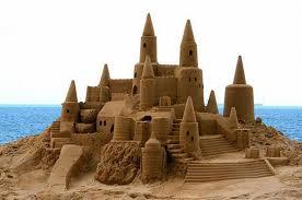 Lâu đài cát trên bãi biển