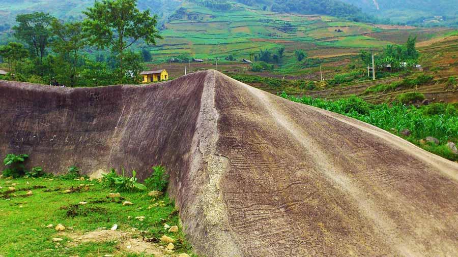 Bãi đá cổ - Di sản của người Việt cổ tại Sapa