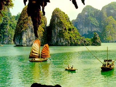 Cảnh đẹp thơ mộng ở Hạ Long