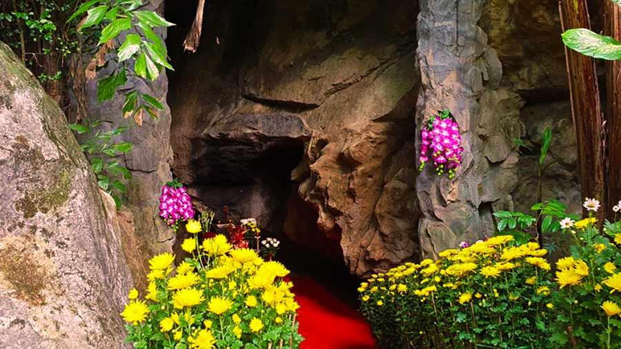 Hang Tám Cô - địa điểm du lịch linh thiêng
