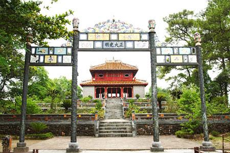 Lăng Minh Mạng tại Huế