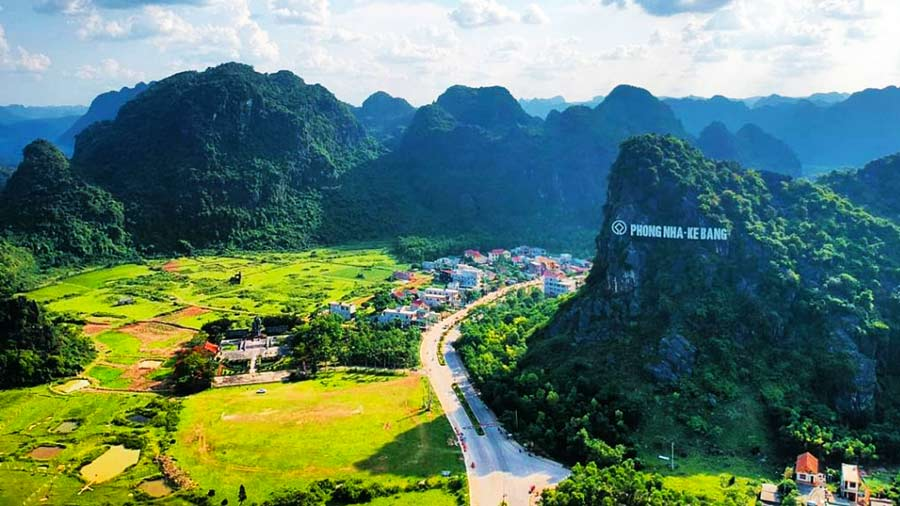 Toàn cảnh Vườn quốc gia Phong Nha - Kẻ Bàng