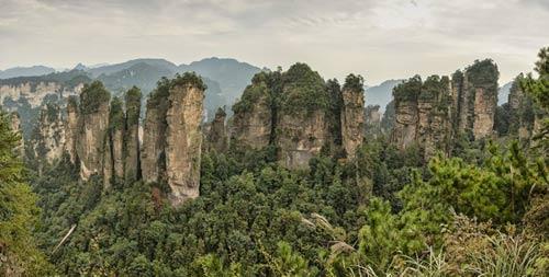cảnh núi rừng Vũ Lăng Nguyên.