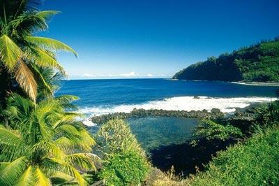 Biển trên đảo Reunion, Pháp.