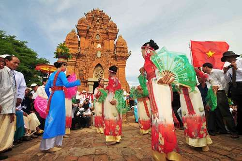 lễ hội kate ngày hội văn hóa lớn của người chăm