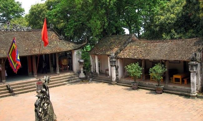 Đền Và - ngôi chùa quy mô nhất xứ Đoài