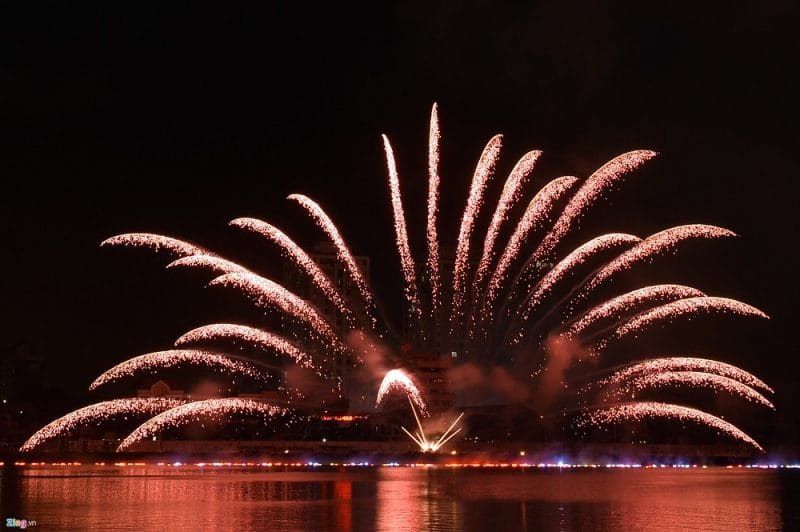 30/4 hành năm tại Đà Nẵng đều đăng cai tổ chức cuộc thi bắn pháo hoa hàng năm