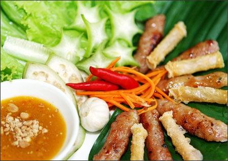 Món nem nướng Nha Trang hấp dẫn du khách