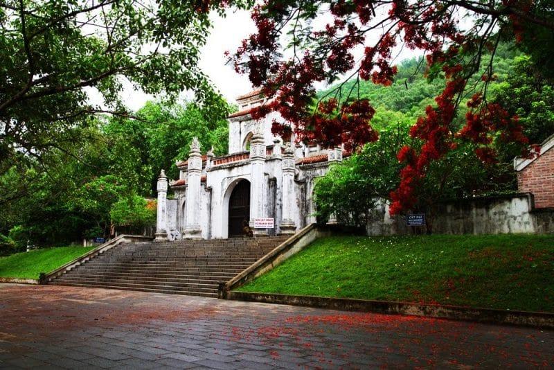 Du lịch Sầm Sơn - Tìm về lễ hội đền Bà Triệu Thanh Hóa