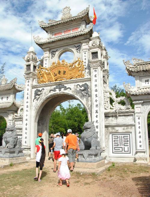 Chùa Cầm Sơn trên núi Thiên Cầm, Hà Tĩnh