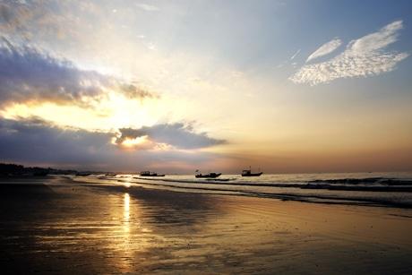 3 bãi biển đẹp và hoang sơ không nên bỏ qua ở Quảng Ninh