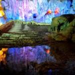 Du lịch Hạ Long khám phá một số hang động đẹp nhất.