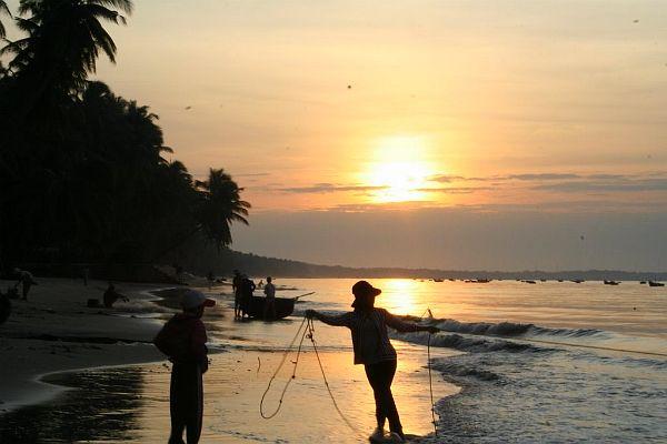 Biển Sầm Sơn bình minh