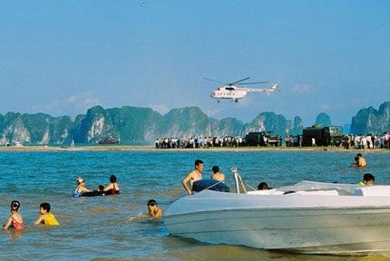 Ghé thăm bãi biển Tuần Châu
