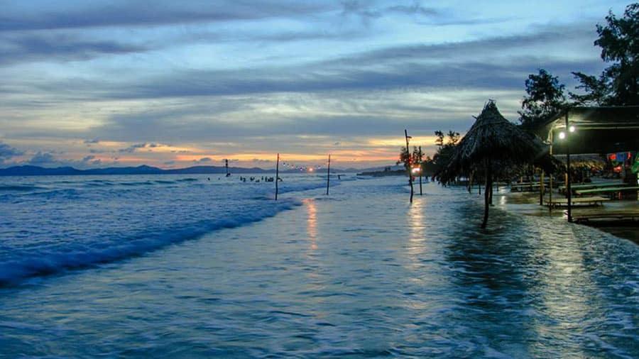 Bãi biển Vàn Chảy đẹp đến thơ mộng