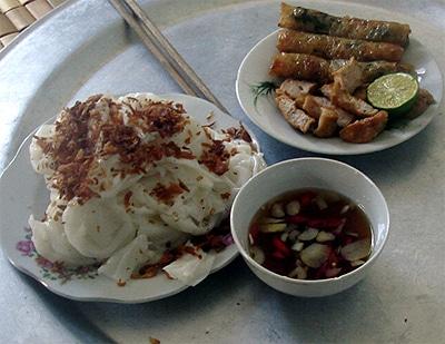 Về du lịch Thiên Cầm ăn bánh ram mướt