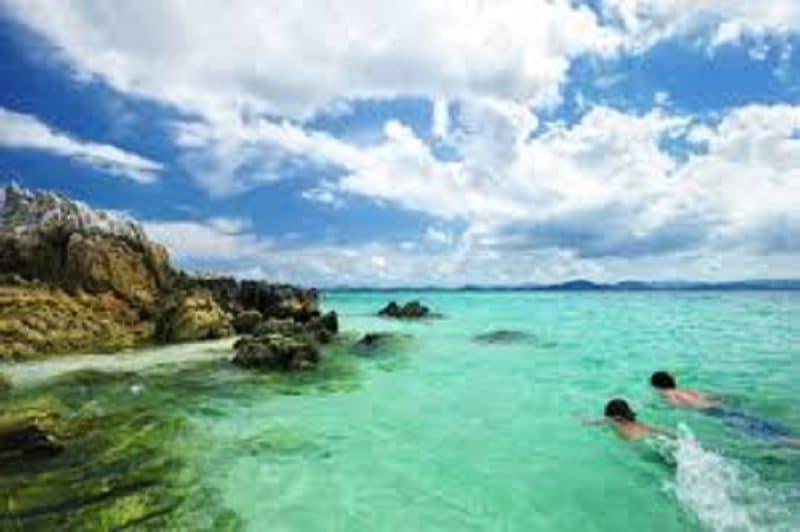 Nước biển trong xanh hoàn hảo tại Nha Trang
