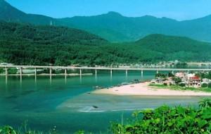 Du lịch biển Việt Nam - Vịnh Lăng Cô