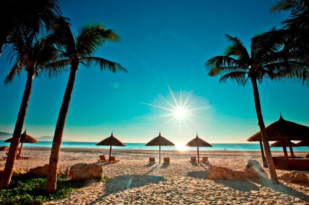 Bờ biển Nha Trang tuyệt đẹp