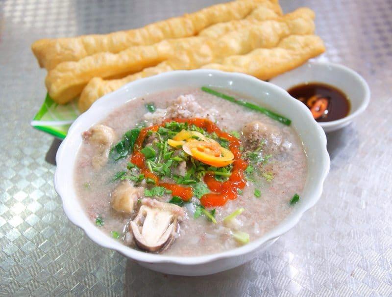 Cháo nghêu, món ăn bình dị mà đậm đà hương vị biển miền Trung