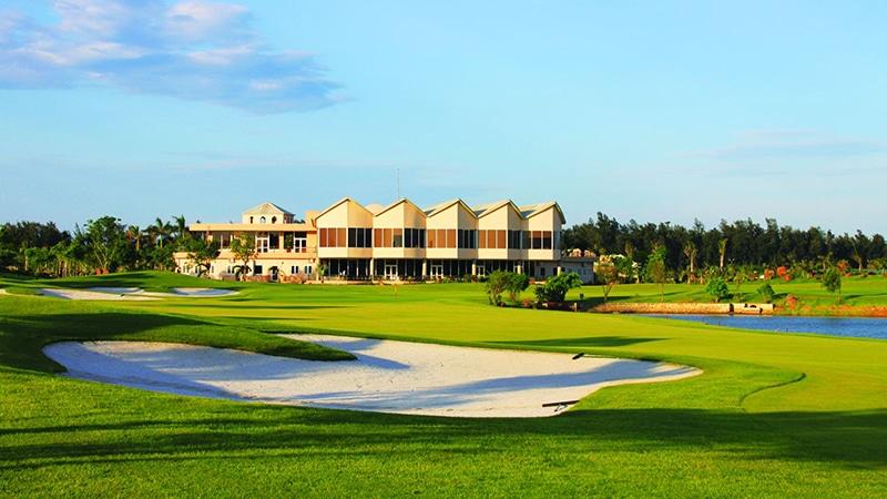 Cửa Lò Golf resort bao gồm các khu nghỉ dưỡng cao cấp và sân golf hiện đại