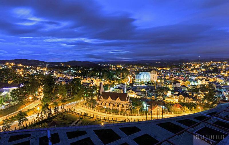 Một góc phố Đà Lạt về đêm
