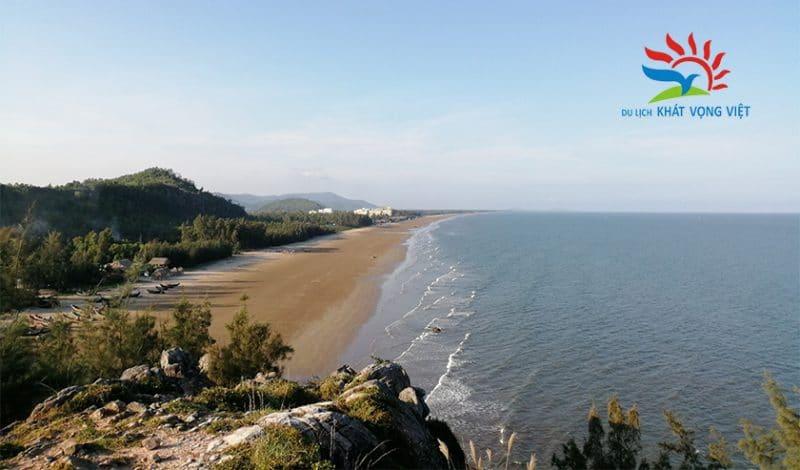 Một góc biển Hải Hòa mùa hè