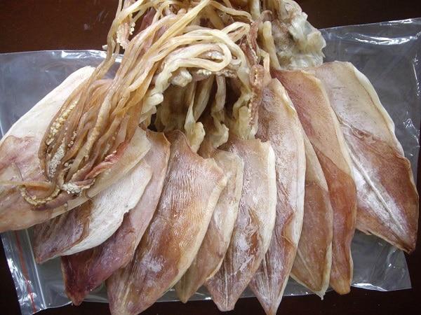 Mực khô là đặc sản làm quà được ưa chuộng nhiều ở biển Hải Hòa