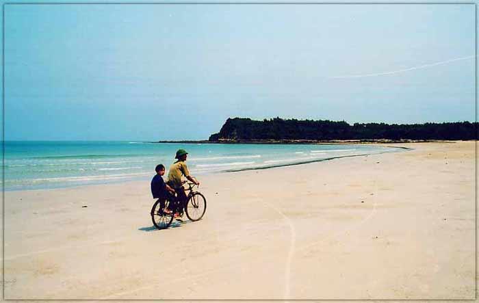 Sự yên bình động lòng người nơi vùng biển đảo