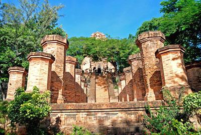 Tháp Bà Ponagar Nha Trang