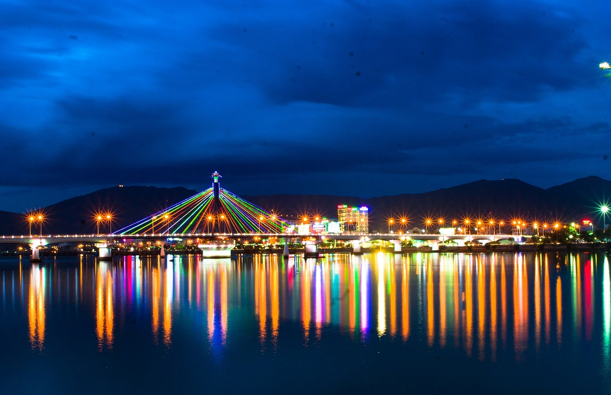 Cầu quay sông Hàn biểu tượng cảu thành phố Đà Nẵng