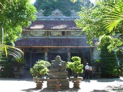 Không gian yên tĩnh nơi chùa Non, núi Thần Đinh