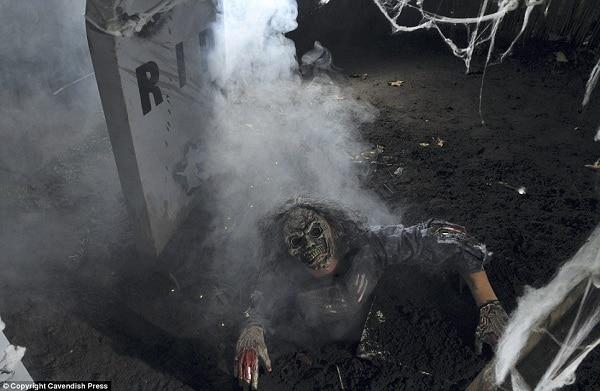 Những hình ảnh ở ngôi nhà kỳ bí Tuần Châu đủ khiến nhiều du khách khiếp sợ