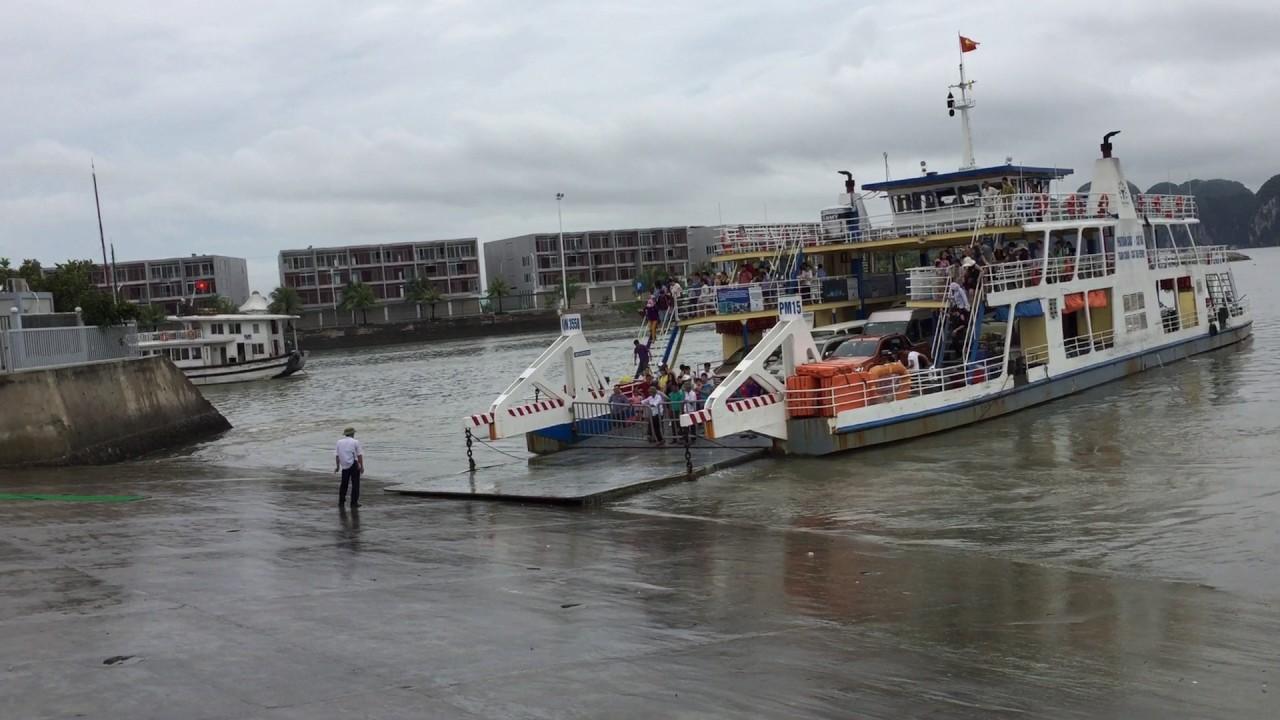 Du khách có thể kết hợp đi thăm vịnh Hạ Long, sau đó sang Cát Bà từ cảng Tuần Châu