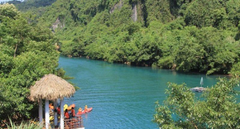 Vẻ đẹp nên thơ, trữ tình của sông Chày Quảng Bình
