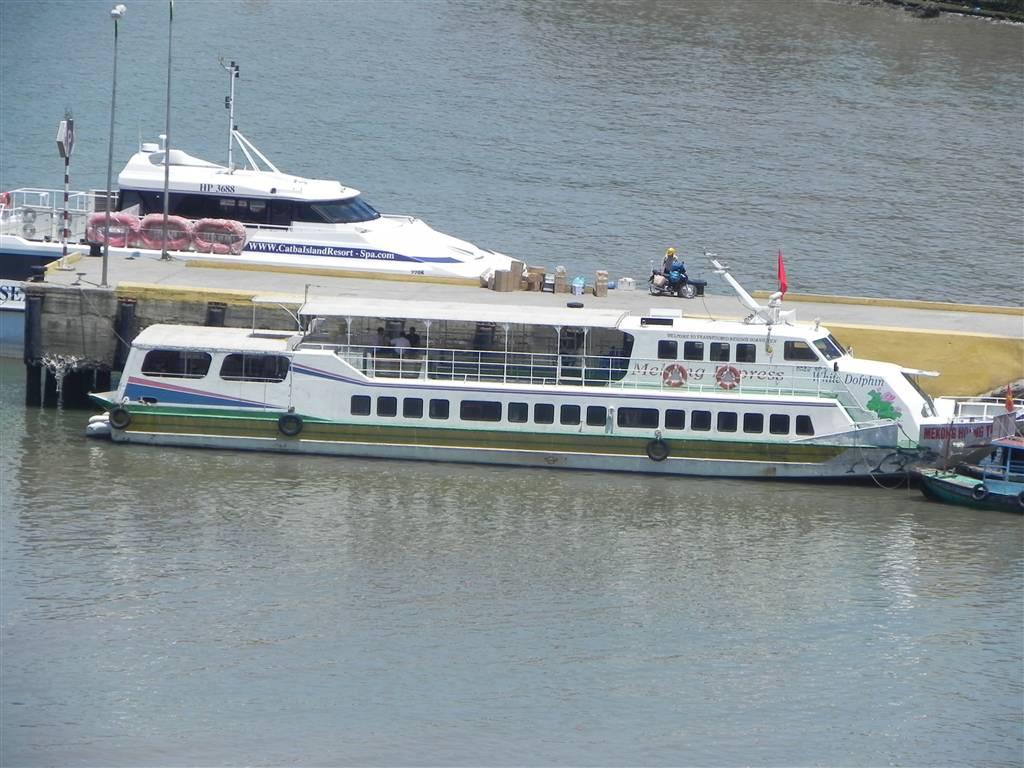 Tàu cao tốc đi Cát Bà từ bến Bính